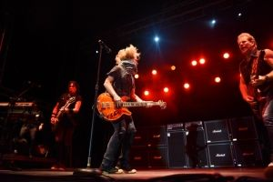 09112015_SoybeanFestivalNightRanger02 - Copy-min
