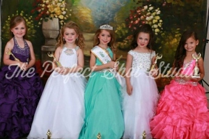 Pageant Petite Division 2016